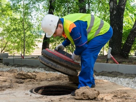 5 Signs That You Need a Sewer Line Inspection