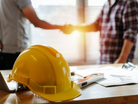 Tips for Good Etiquette When Working With Contractors